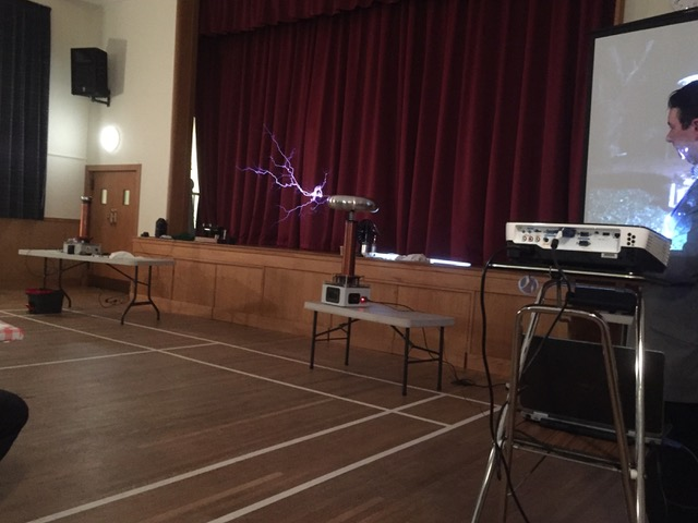 tesla_coil_in_action_2